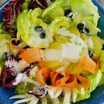 Sommerlicher Kartoffelsalat mit Fenchel, Heidelbeeren und Sojaobers-Dressing